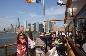 ny tourism bureau york city set tourism record in 2017 despite travel restriction