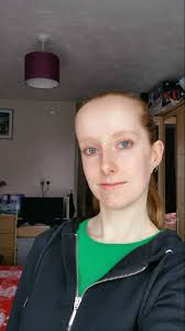 hairstyles for foreheads that stick out on a woman hair help