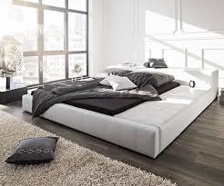 Schlafzimmer Bett Bilder Kingsize Bett Im Schlafzimmer Doppelbett Für Mehr Komfort