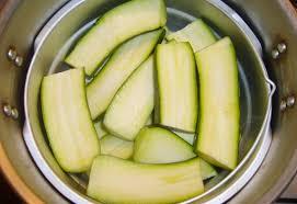 cuisiner les courgettes recette facile de courgettes vapeur