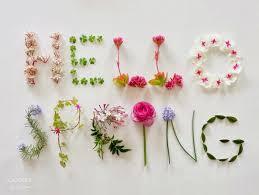 image of spring flowers da la bienvenida a la primavera con alguna de estas 10 originales