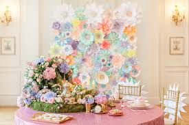 wedding backdrop paper flowers flower backdrops to swoon linentablecloth