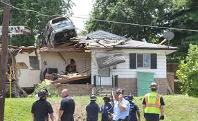 Top House 2017 St Louis Homeowner Returns From Gym To Find An Suv Crashed Into