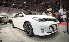 latest toyota 2013 toyota avalon hybrid information and photos zombiedrive