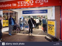 flat screen tv black friday the first black friday shoppers at tesco grimsby current location