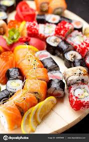 jeu de cuisine sushi cuisine japonaise jeu de sushi photographie ostancoff 140979068
