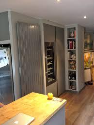 cuisine avec cave a vin cuisine sur mesure avec cave à vin intégrée yves jaffré agencements