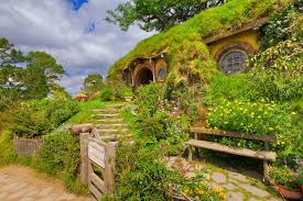 you can build a magical hobbit house in only three days