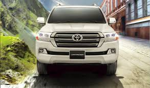 toyota land cruiser facelift launched by indus motors in pakistan