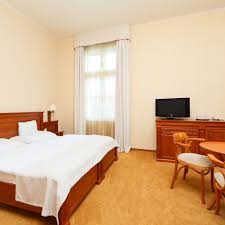 Schlafzimmer Anna M Ax Anna Grand Hotel Wine U0026vital Balatonfüred Revngo Com