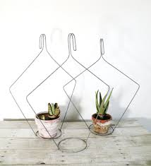 Diy Hanging Planter by Vintage Hanging Planter Planters Plant Hangers And To Grow