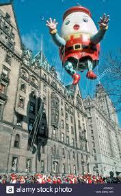 new yorker thanksgiving cartoon macys thanksgiving day parade balloon stock photos u0026 macys