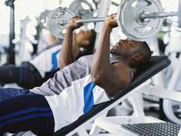 What Muscle Do Bench Press Work 15 Benefits Of The Incline Decline Bench Incline Vs Decline