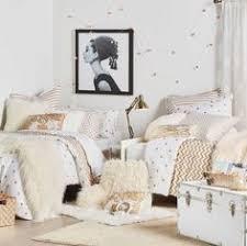 Bed Bath And Beyond Pueblo White Fur Pillow Covers 22 X 22 Decorative White Fur White Linen