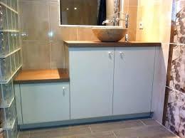 meuble de cuisine dans salle de bain decoration cuisine et salle de bain plan de travail cuisine bambou