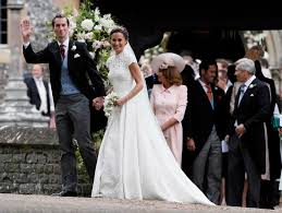 pippa middleton smooches new hubby james matthews before driving