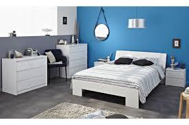 chambre à pas cher chambre a coucher blanc laque