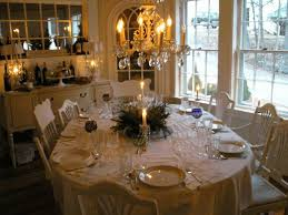 Christmas Dining Room Decorations - how to decorate a table for christmas trends in dining rooms 42