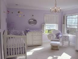 chambre bébé violet peinture chambre bebe fille 10 b c3 a9b a9 violet meubles blancs une