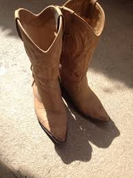 Comfortable Cowboy Boots For Walking Stagecoach Essentials Country Music Minute