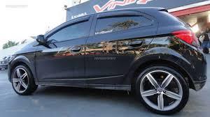 Excepcional Chevrolet Onix 2013 com rodas aro 17