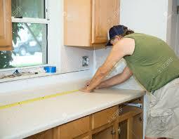 how to measure for kitchen backsplash granite countertops glass tile backsplash measuring for kitchen