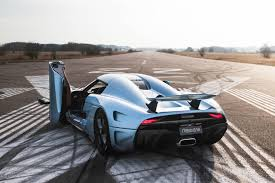 koenigsegg one key 1 500hp koenigsegg regera hypercar gets a 2 3 million price tag