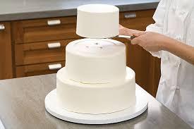 secrets to making a wedding cake assembling dissembling