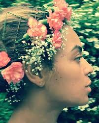flower headpiece 15 beyoncé inspired ways to rock a flower crown for the wedding