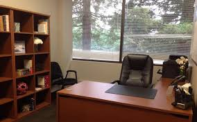 private meeting room for 6 at 580 executive center liquidspace