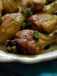 comment cuisiner les cuisses de poulet cuisses de poulet au four bien croustillantes une plume dans la