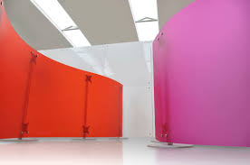 contemporary screen polycarbonate commercial fluowall