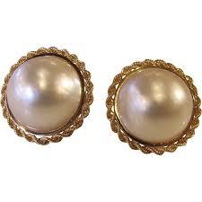 1960 s earrings vintage 1960 s 14k mabe pearl earrings 24mm screwback tag