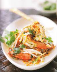 cuisine thaï pour débutants crevettes sautées à la coriandre et germes de soja recettes d hubert