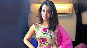 trisha hair in vtv dhanush is a selfless actor says trisha
