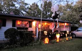 halloween house decoration 06 jpg