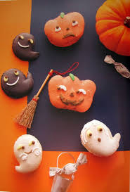 Easy Halloween Cake Pops by Best 20 Halloween Macaroons Ideas On Pinterest Halloween Sweets
