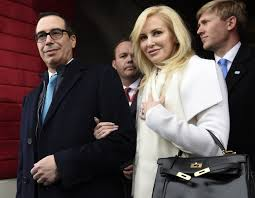 Senators Wife by Mnuchin Wife Viewed Eclipse From Roof Of Fort Knox