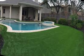 Astro Turf Backyard Artificial Turf Lawns U0026 Grass U2013 Synthetic Grass Turf Putting