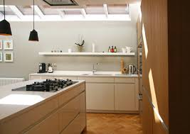 rogue designs interior designer oxford interior architecture the kitchen design was devised alongside martin williamson of inhouse kitchens featuring leicht furniture and seimens appliances and the top is a honed
