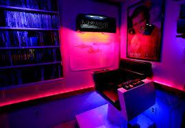 Man Cave Led Lighting by Les Blain U0027s Star Trek Man Cave U2014 The Visual Journal