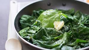 cuisiner epinard poêlée d épinards frais au beurre facile et pas cher recette sur