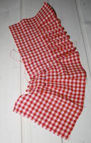 couture tablier de cuisine couture joli cadeau à offrir tablier de cuisine toque torchons