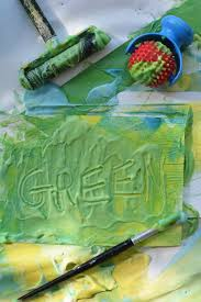 little blue and little yellow make green paint mixing for