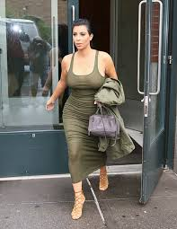 Kim Kardashian Pregnant Meme - kim kardashian spanx while pregnant could they hurt her pregnancy
