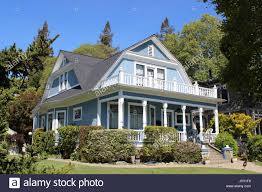 dutch colonial revival house built in 1908 in napa california