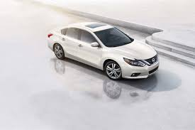 2018 nissan maxima 2017 nissan altima overview cars com