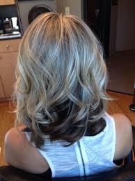 blonde bobbed hair with dark underneath blonde top dark underneath hair by melissa lobaito pinterest