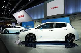 leaf nissan black nismo adds some zing to nissan leaf ev with new concept at tokyo