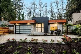 Modern Bungalow House Plans Best 25 Modern Bungalow Exterior Ideas On Pinterest Front Deck